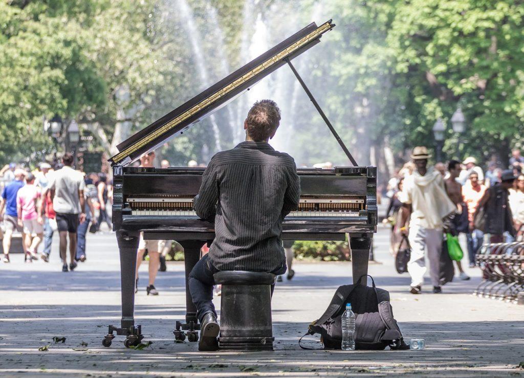 Manhattan Concert Solo Piano Park  - 3005398 / Pixabay