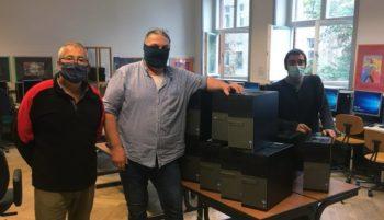 Computerübergabe in der Adolf Glassbrenner SchuleSchule