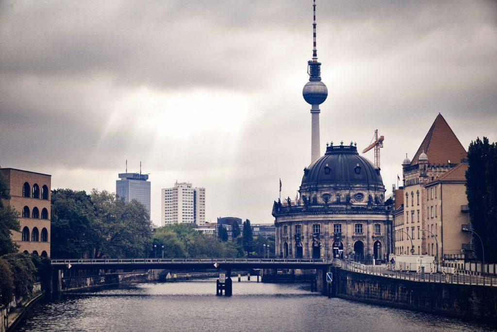 Berlin Spree Tv Tower Capital  - 12138562 / Pixabay